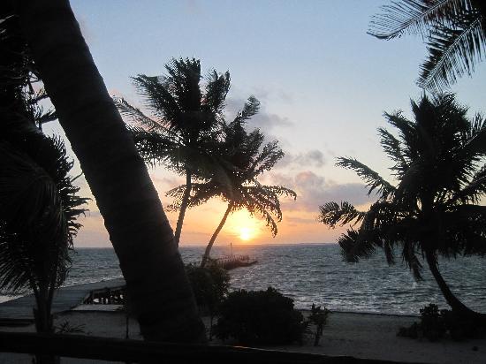 La Perla Del Caribe: an evening view from the villa