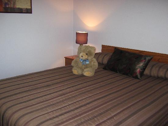 Grange Motor Lodge: Bedroom