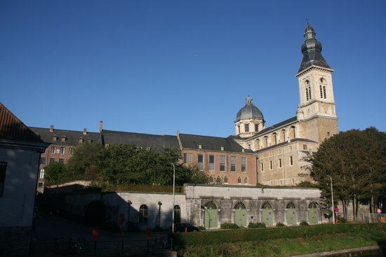 ‪Saint Peter's Abbey‬