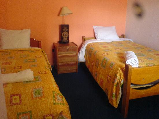 Hostel Jacaranda Inn: Twin room