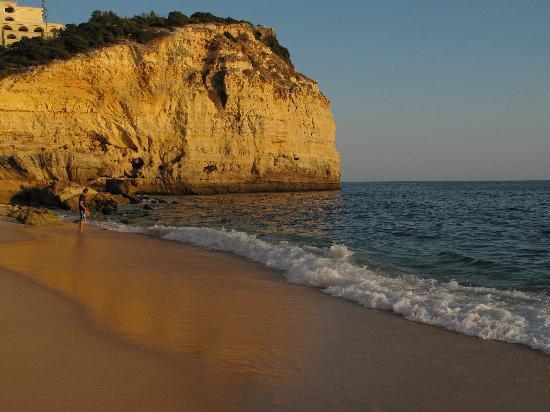 Hotel Baia Cristal: Der nächste schöne Strand