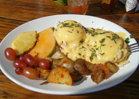 Blue Sky Bistro on the Bay: California Eggs Benedict
