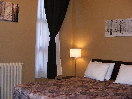 Hotel Casa Bella : renovated room