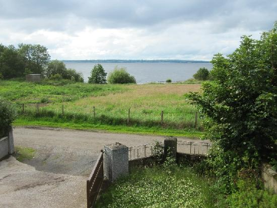 Bay Cottage Bed & Breakfast: View of the Lough