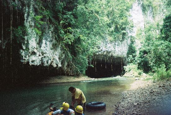 Hamanasi Adventure and Dive Resort: Cave Tubing