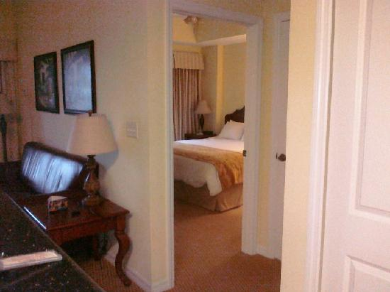 The Point Hotel & Suites: View from Entry/Kitchen into living area and beyond to King Bedroom