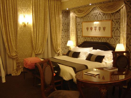 Hotel Londra Palace: The room