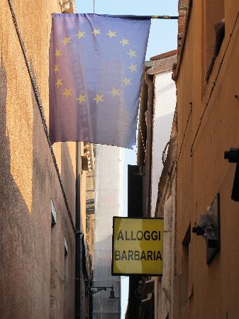 Alloggi Barbaria: Look for this sign