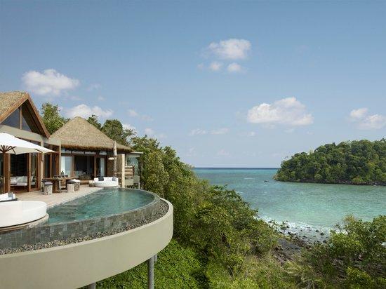 منتجع Song Saa Private Island: Our two-bedroom villas offer splendid views of the Gulf of Thailand.