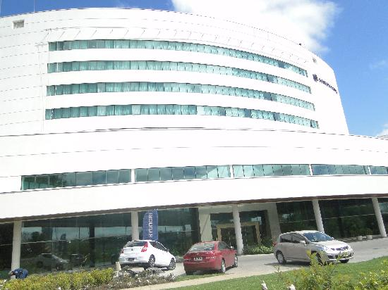 Sonesta Hotel Osorno: Hotel entrance