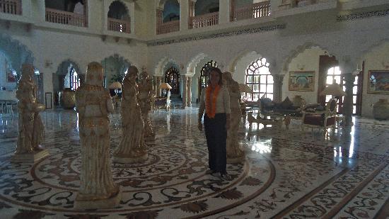 The Shiv Vilas: At the lobby