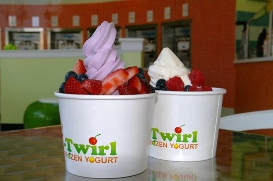Twirl Frozen Yogurt : Yum!