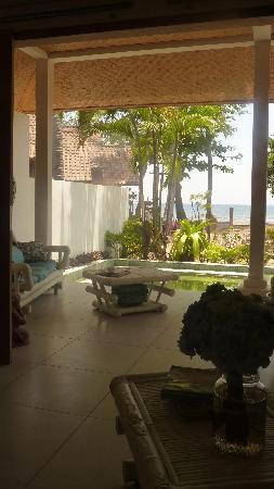 Lilin Lovina Beach Hotel : getlstd_property_photo