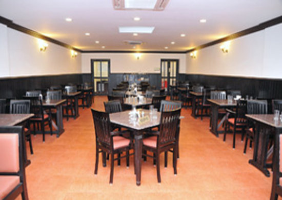 Restaurant at Trivandrum Hotel: Restaurant in Trivandrum Hotel
