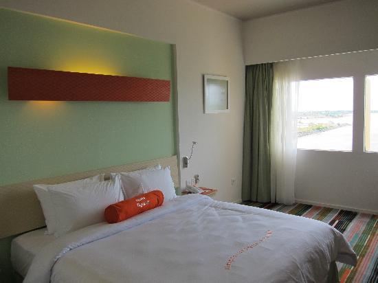 HARRIS Hotel Batam Center: Nice cosy room