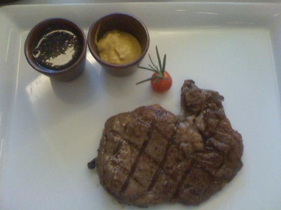 Le Meridien Kota Kinabalu: Sirloin Steak