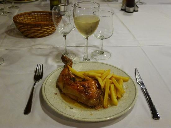 Restaurant Passadis: 4.メインのチキン