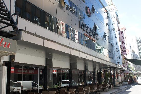Marlight Boutique Hotel: 近代的なHotel外観