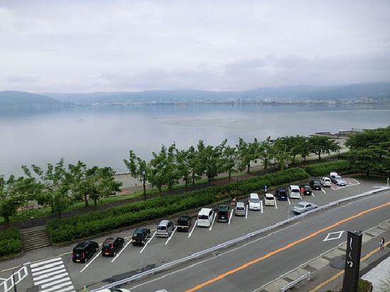 Kamisuwa Onsen Shinyu: 部屋からの諏訪湖