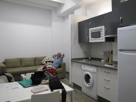 Hostal Costa Azul: Wohnzimmer/Küche