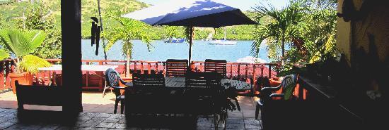 Villa Pelicano: Oceanfront terraces..