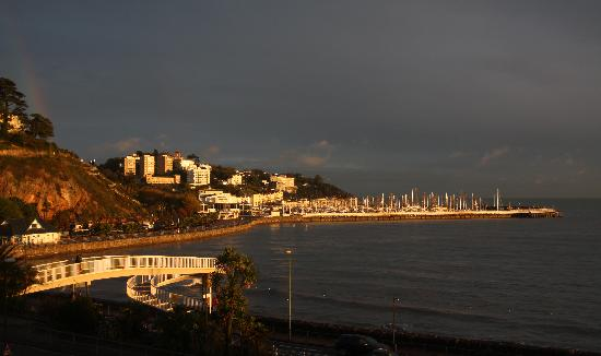Premier Inn Torquay Hotel: Late afternoon view from our room.
