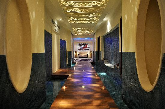 Premier Le Reve Hotel & Spa (Adults Only): SPA Corridor