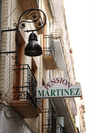 Pension Martinez: Fachada del hostal