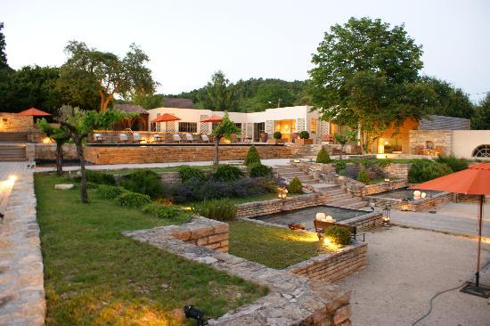 Le Chateau De Courban & Spa : Terrasse du restaurant