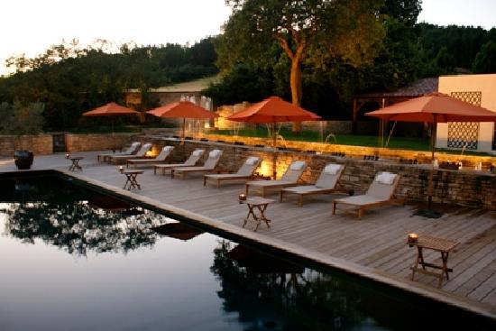 Le Chateau De Courban & Spa : Vue piscine