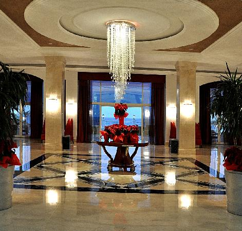 Premier Le Reve Hotel & Spa (Adults Only): Lobby Terrace  Entrance