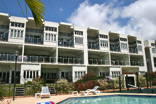 Beachside Magnetic Harbour Holiday Apartments : Beachside Apartments
