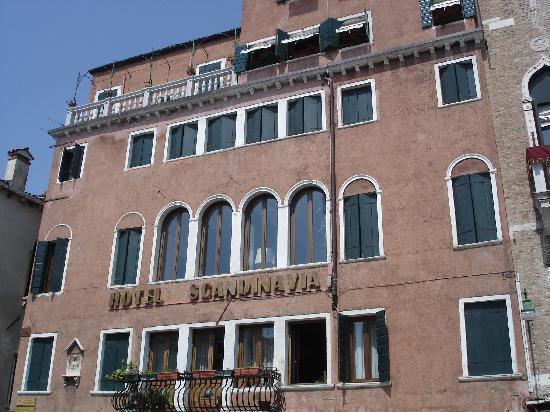 Hotel Scandinavia: Fachada