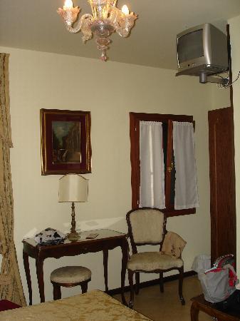 Hotel Scandinavia: Habitacion