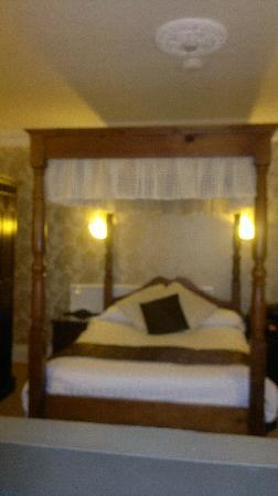 Crompton House : lovely room