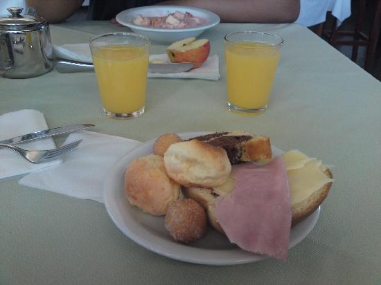 Hotel Fazenda Fonte Colina Verde: café da manhã