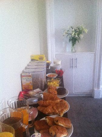 Capital Residence: Continental Breakfast