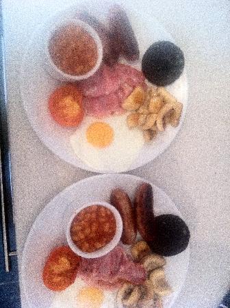 Capital Residence: Breakfast