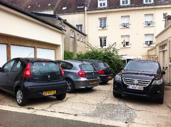 Parking exterieur gratuit photo de hotel du grand cerf for Parking exterieur