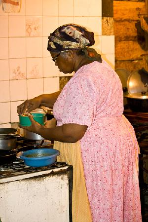 Soda Isma: La padrona e cuoca del locale