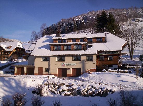Jägerhof Bernau: Winteransicht