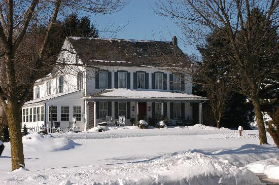 1825 Inn Bed and Breakfast: 1825 Inn in Winter