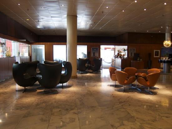 Radisson Blu Royal Hotel Copenhagen : 密集エッグチェア!