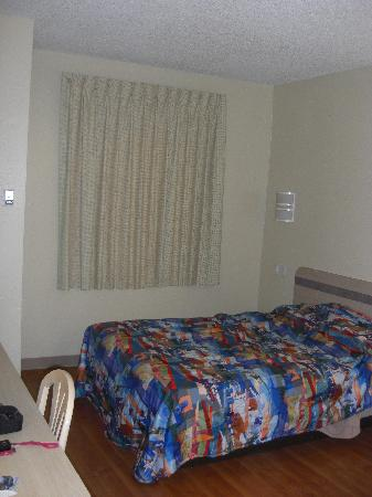 多倫多惠特比東 6 號汽車旅館照片