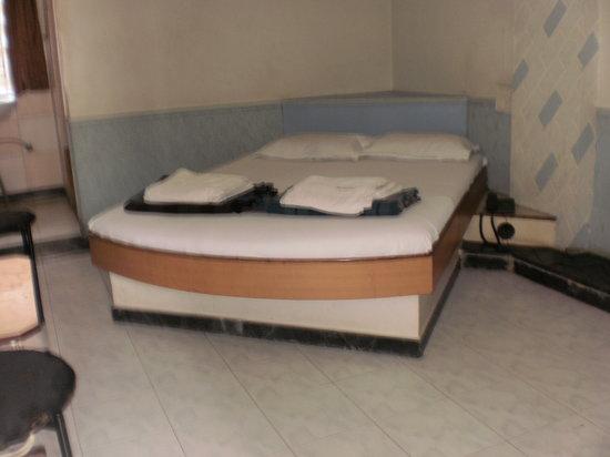 Hotel Aishwarya: Photo of room