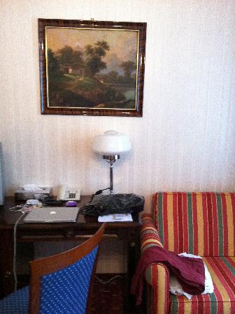 Pension Residenz: Schreibtisch
