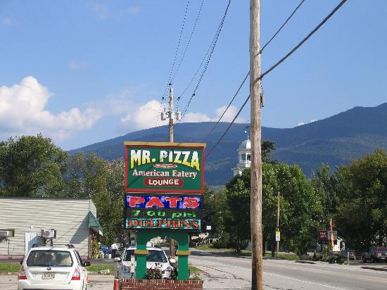 Mr.Pizza : More Of The River