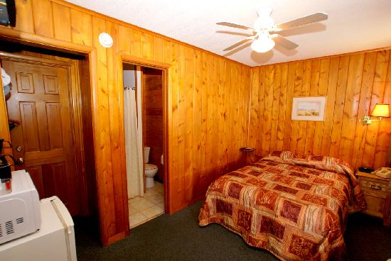 "The Canyon Motel : We have two ""economy"" rooms that have a double bed."