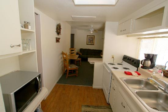 The Canyon Motel: 3 bedroom/2 bathroom apartment, Great for large groups/families