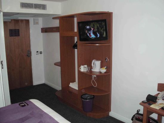 Premier Inn Exeter Central St Davids Hotel: bedroom